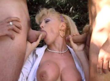 imagen enfermera italiana de grandes pechos