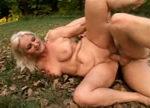 imagen conduje a una abuela hasta el paraiso