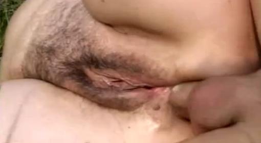 Acariciando culito en la cola dos - 2 part 1