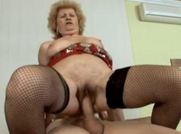 imagen abuelas descubriendo el sexo de otra forma