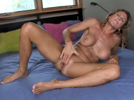 crack lesbian bj webcam eaw