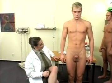 imagen la doctora tiene satisfecho al cuartel