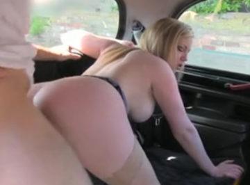imagen Follada a cambio de dinero por un taxista