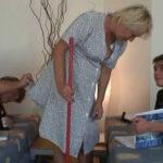 imagen Tomándole el pelo a la abuela