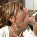 imagen Maestra da una clase magistral de sexo