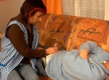 imagen Ama de casa aprovecha que duerme el señor