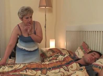 Abuela gorda y caliente - 1 part 10