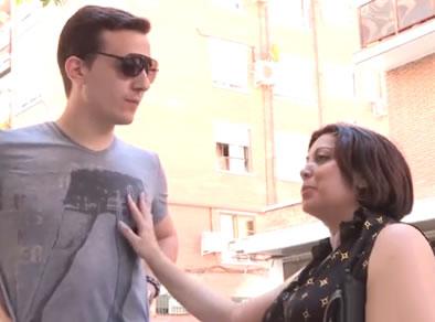 madura española en calle