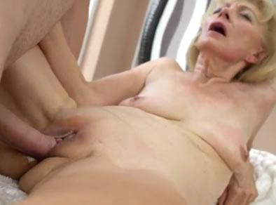 anciana follando