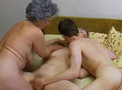 trio abuela nietos