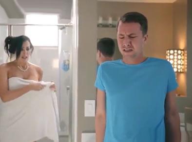 madre pillada ducha