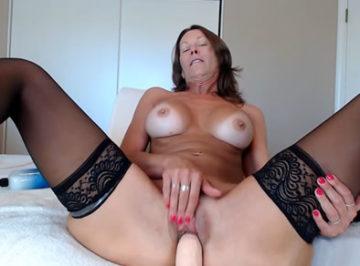 imagen El video secreto de mi madre masturbándose