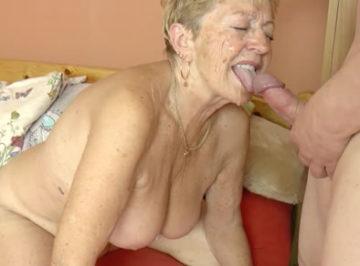 imagen A sus 78 años aun sabe seducir a un joven