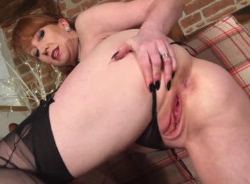imagen A la zorra le encantaba masturbarse y enseñar su mojado coño