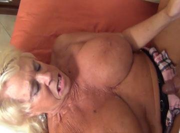 imagen Anciana de 73 años follada por un joven negro pollón
