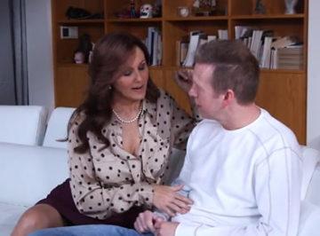 imagen Ama de casa seduce a su cuñado