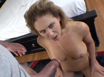 imagen Madre de 40 años tiene sexo con su amante