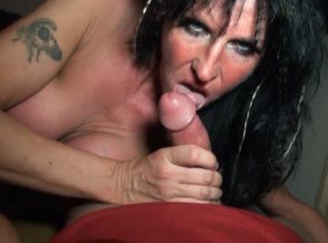 imagen Prostituta francesa follada en un sexshop
