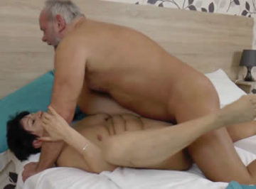 imagen Que puta es su esposa, acabó con el culo corrido