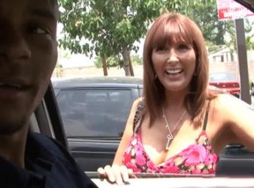 imagen Prostituta callejera acepta grabarse follando con un negro