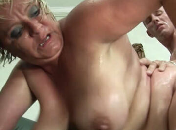 imagen Cerda depravada se folla a su sobrino
