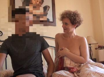 imagen Española de 44 años se folla a un alumno de 18 años
