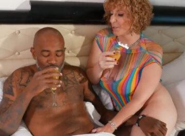 imagen Quería la leche de su nuevo novio negro