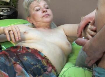 imagen A la abuela aun le gustaban las pollas