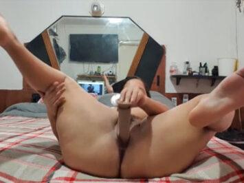 Mamá mostrando como se masturba
